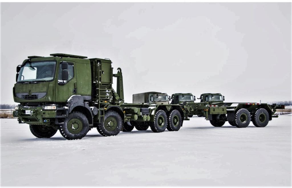 Livraison des camions Mack pour l'armée canadienne Photo-53
