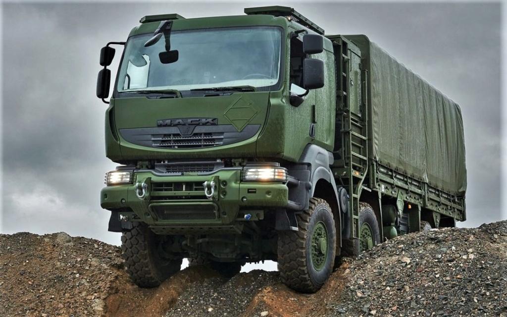Livraison des camions Mack pour l'armée canadienne Photo-54