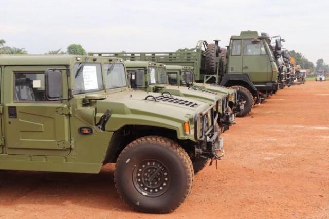 Des véhicules donnés par les USA... et la Chine pour la RCA  Rca-1-10