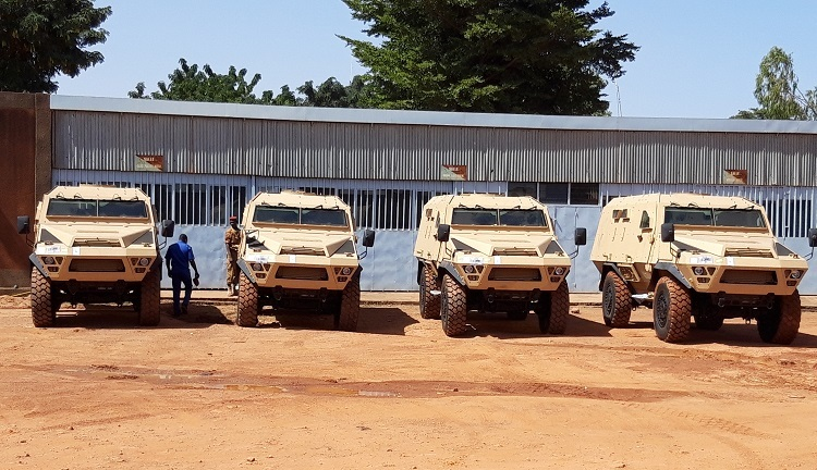 Livraison de 4 véhicules blindés BASTION au Burkina Faso Remise10