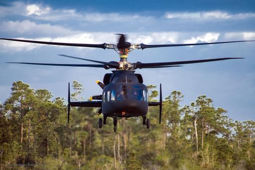 L'hélicoptère SB-1 Defiant a réalisé son premier vol Sb1_de10