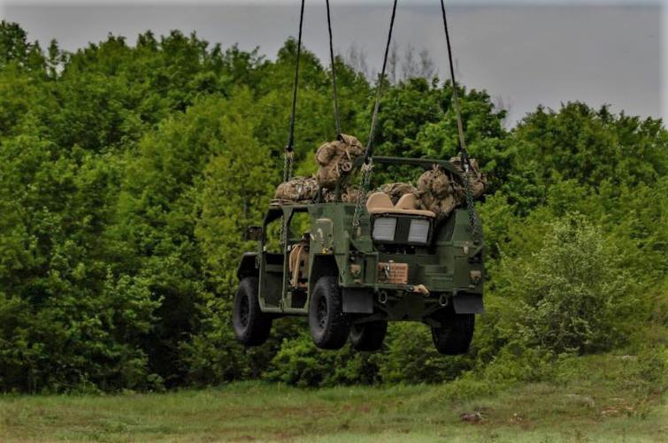 L'ISV nouveau véhicule du groupe d'infanterie US  Scree189