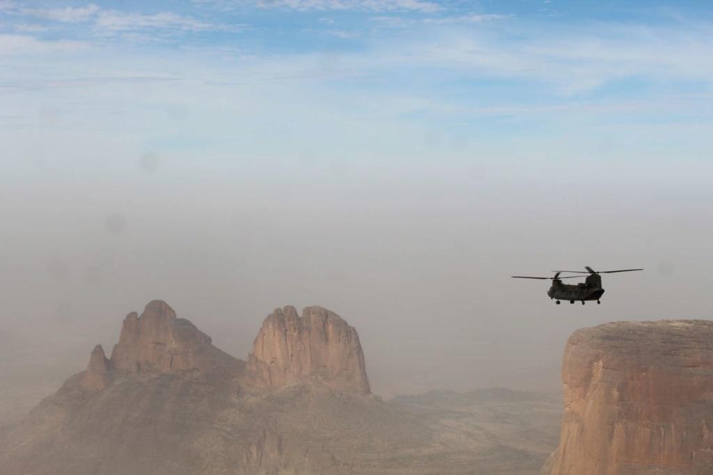 De l'importance des hélicoptères lourds à Barkhane Tfmali17