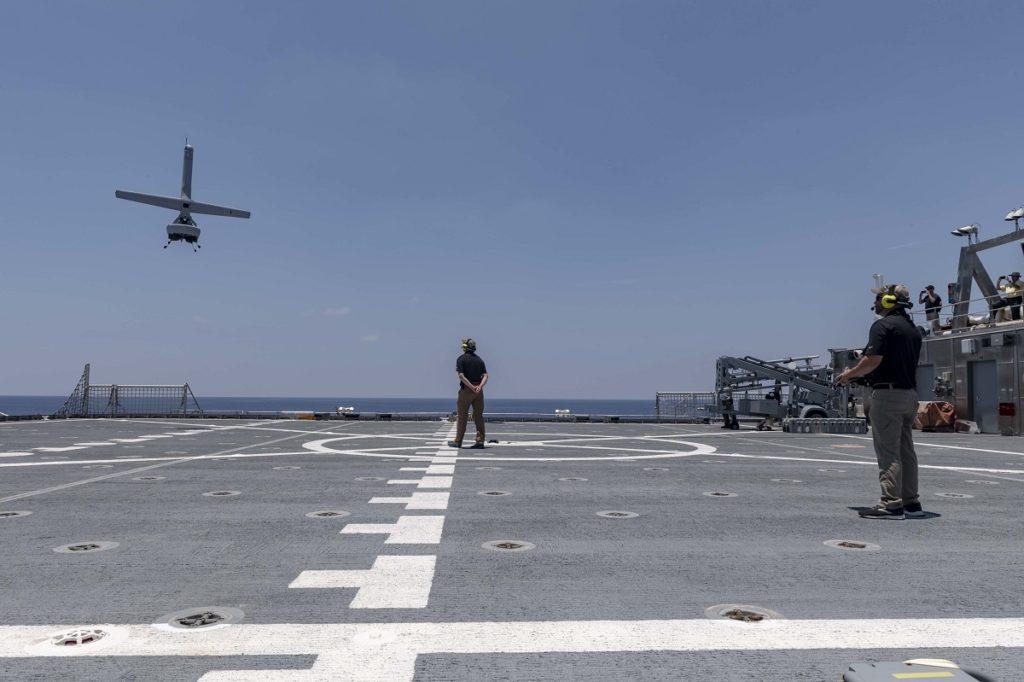 L'US Navy teste le V-BAT, l'impressionnant drone militaire U_s_na10