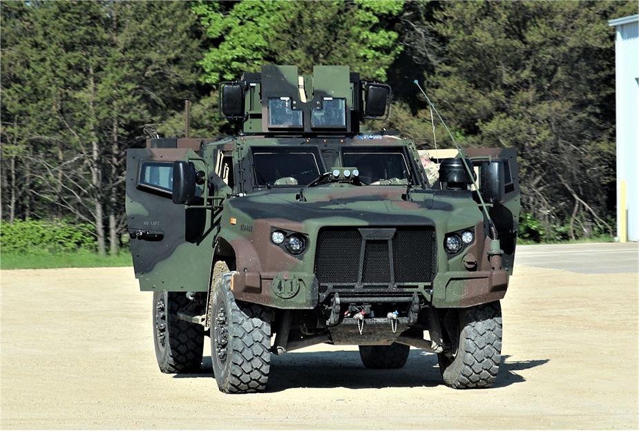 Encore des véhicules blindés américains JLTV pour l'Europe.. Us_joi10