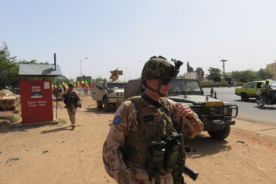 Des forces spéciales européennes pour « Takuba »  Vojaci10