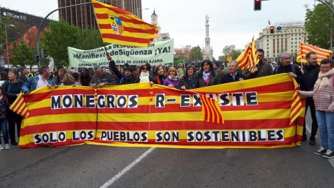 """Manifestación de la España Vaciada: """"Ser Pocos no resta derechos"""" Huesca10"""
