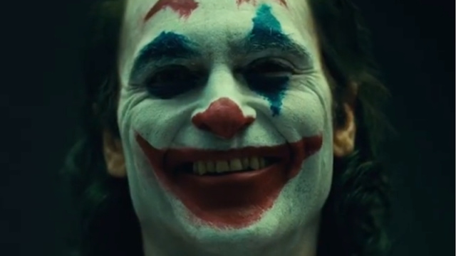 The Joker (Phoenix / De Niro) (October 2019) - Page 2 Manhjb11
