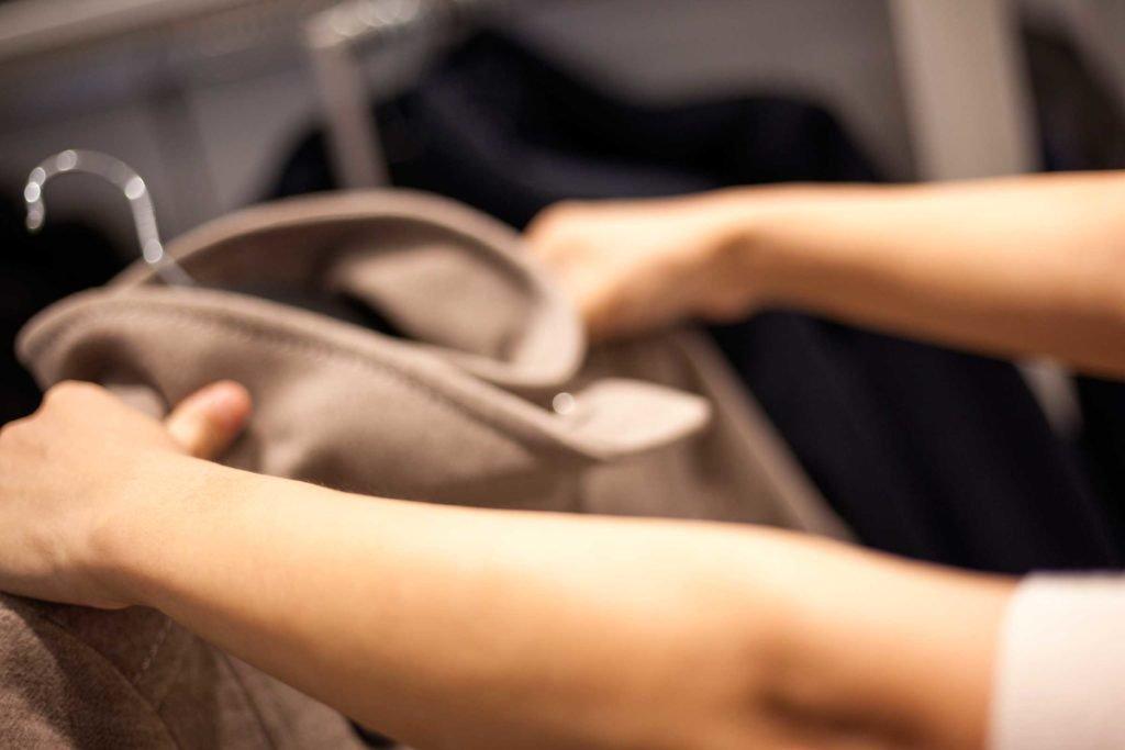 10 conseils pratiques pour faire durer plus longtemps vos vêtements préférés 1-armo10