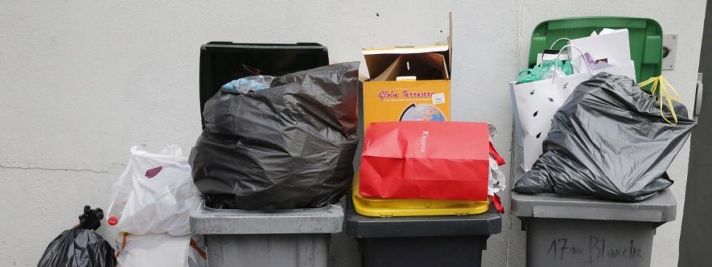 Bretagne : irrité par un dépôt sauvage d'ordures, un maire retourne les déchets à l'envoyeur 16772710