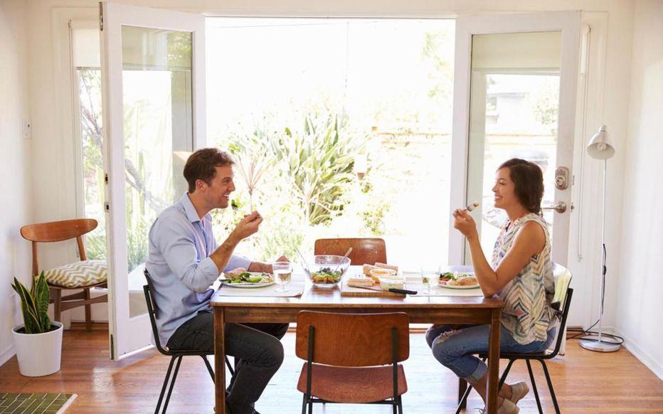 Manger ensemble, le secret des couples heureux ? 4zh5gj10