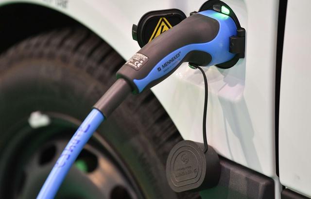 Chine: Une marque propose une voiture électrique à moins de 10.000 euros 640x4120