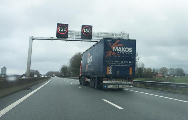 Bourges: Circulation interrompue sur l'A71 après un accident entre 13 véhicules 640x4162