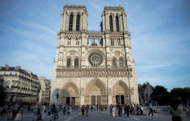 Incendie à Notre-Dame: Le projet de loi pour la restauration de la cathédrale adopté en commission 640x4474