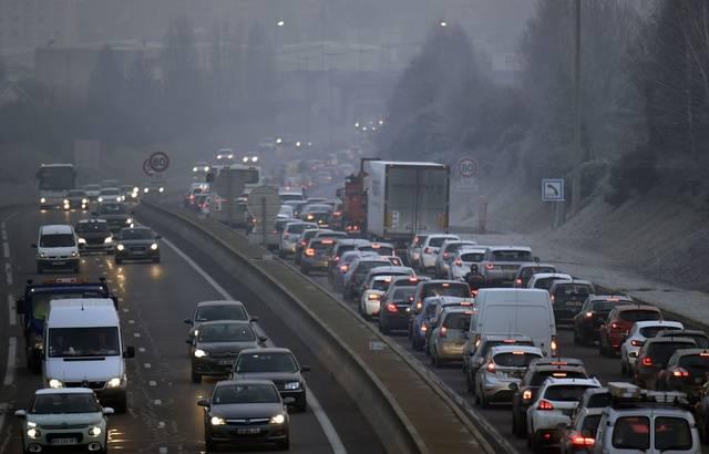 Pic de pollution: Les députés rendent automatiques les restrictions de circulation 640x4532