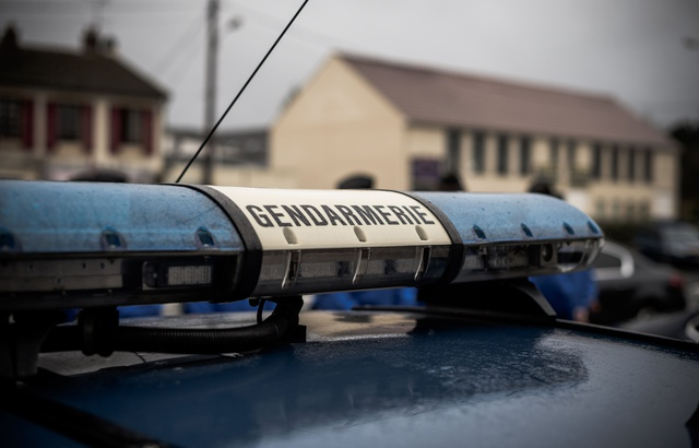 Gard : Munis d'un gyrophare, de faux gendarmes sont interpellés par les vrais 640x4650