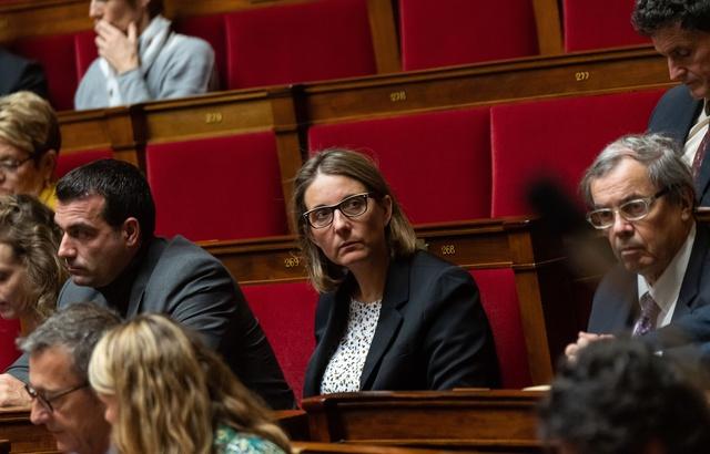 Vesoul: La permanence de la députée LREM Barbara Bessot-Ballot murée par des agriculteurs après son vote favorable au Ceta 640x4684