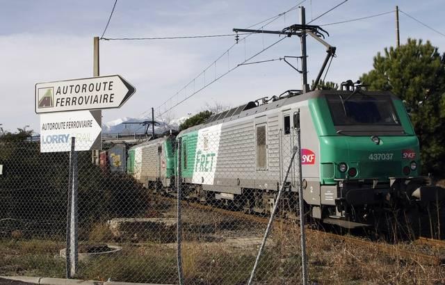Amiante: SUD-Rail dénonce «une crise sanitaire et sociale» à la SNCF 640x4702