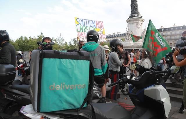Deliveroo: Des livreurs manifestent contre la nouvelle grille tarifaire 640x4725