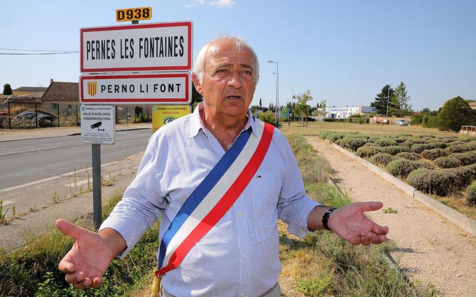 Dans le Vaucluse, le conseil départemental ne veut plus des panneaux en provençal 7cv4jn10
