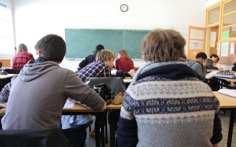 Education : les «pions» bientôt en renfort des enseignants 80088810