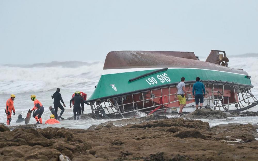 «Il n'y a pas eu un cri» : le récit poignant des rescapés du naufrage aux Sables-d'Olonne 80891910