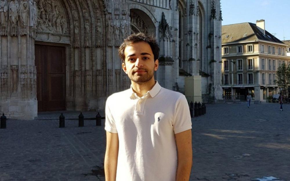 Gadir, jeune Azéri privé de papiers depuis février, obtient gain de cause 80949410