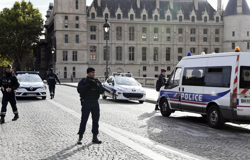 Attaque au couteau à la préfecture de Paris: Une clé USB retrouvée dans le bureau de Mickaël Harpon contenait les coordonnées de ses collègues 960x1010