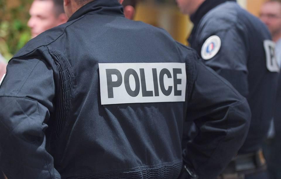 Vaulx-en-Velin : Les policiers viennent l'interpeller, le suspect ordonne à son chien de les mordre 960x1171