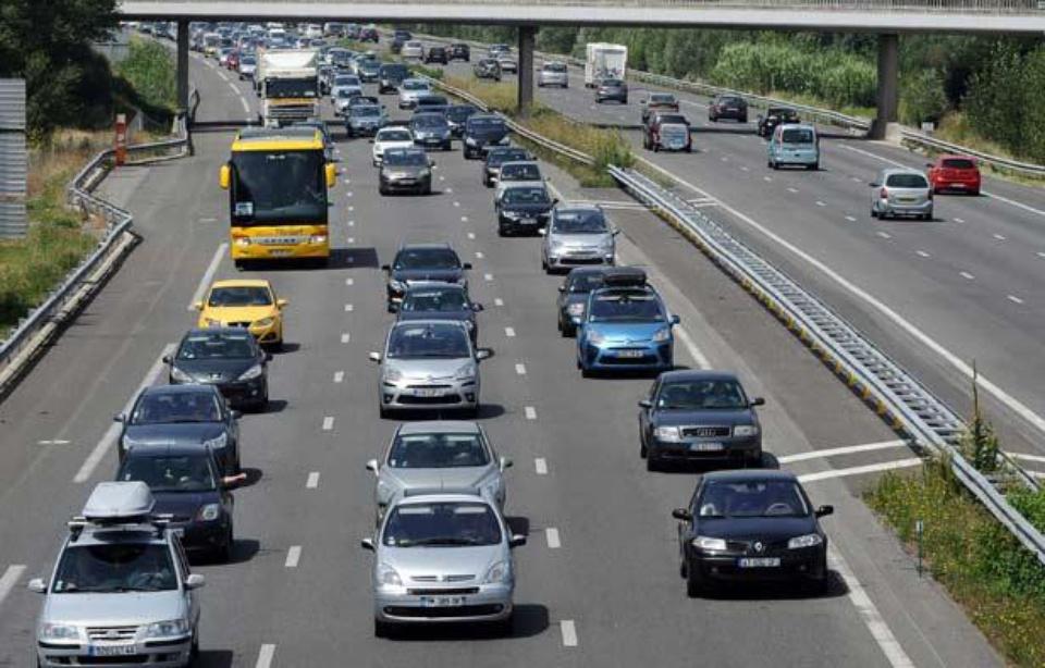 Aude: Il arrête sa voiture sur la voie de gauche de l'autoroute A61... et s'endort 960x6100