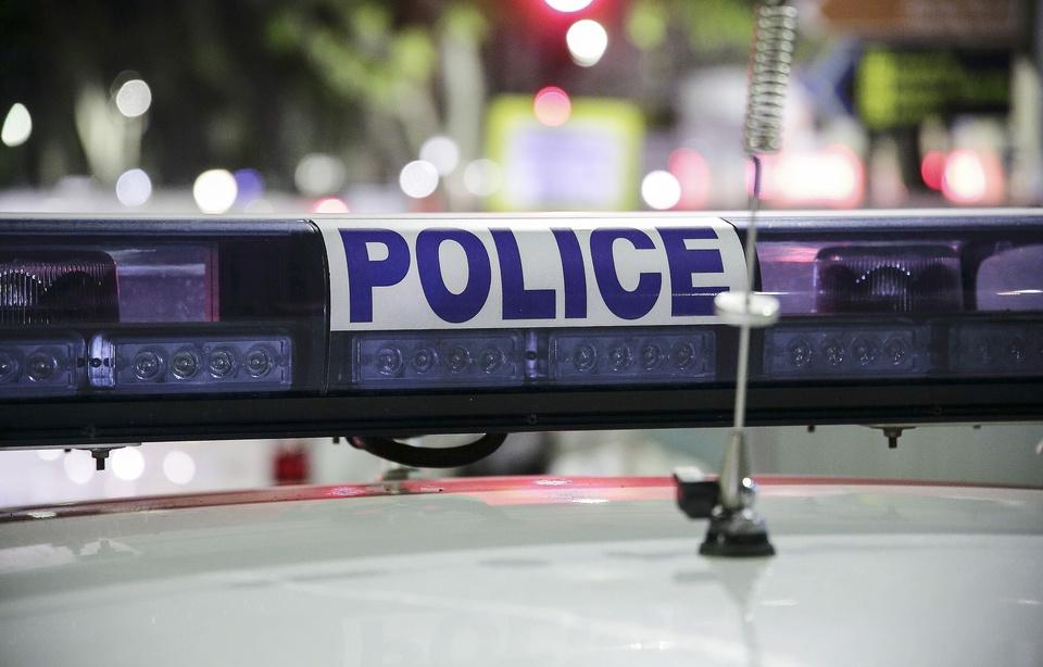 Paris: Elle se présente au commissariat du 17e avec une grenade et un obus 960x6169
