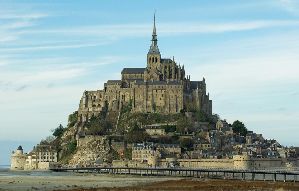 Manche: Maryse, la centenaire qui rêvait de visiter le Mont-Saint-Michel, a été invitée par le département 960x6215
