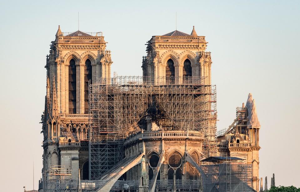 Notre-Dame: Plus de 1.000 experts appellent Macron à éviter la «précipitation» 960x6572