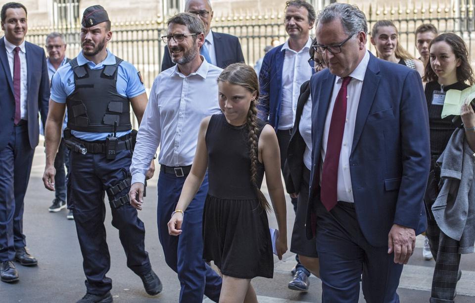 «Coup de com»... Comment Greta Thunberg a-t-elle été accueillie par les députés à l'Assemblée? 960x6849
