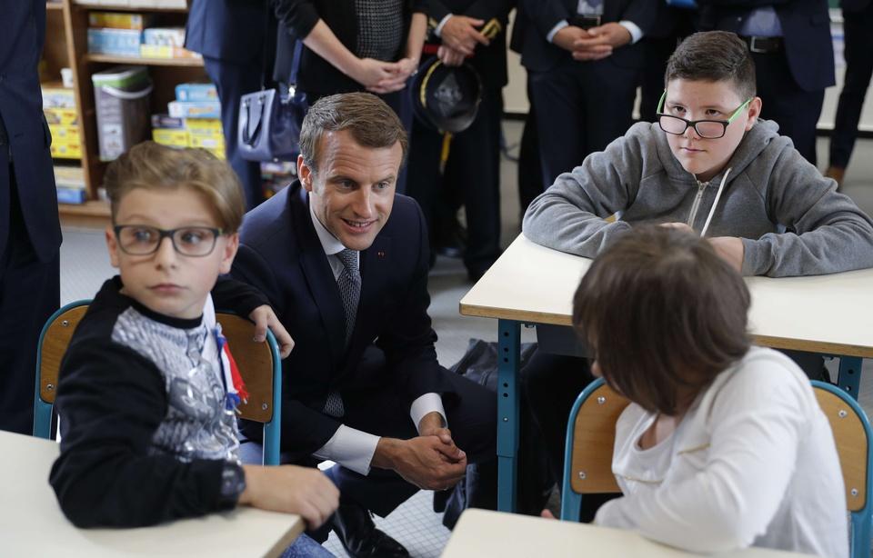 Alsace : Un maire fait rouvrir deux écoles en accusant Emmanuel Macron de « mensonge » 960x6913
