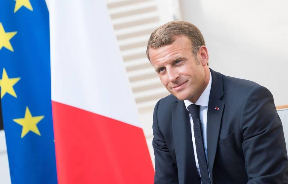 Grenelle des violences conjugales: Emmanuel Macron rend visite au 3919 pour entendre des victimes 960x6921