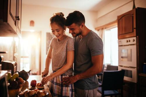 10 choses à faire avec votre partenaire avant d'aller se coucher si vous voulez être vraiment heureux C6d66b10