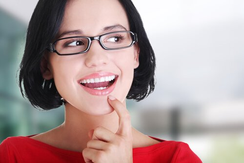Connaissez vous le phénomène du bout de la langue ? Femme-26