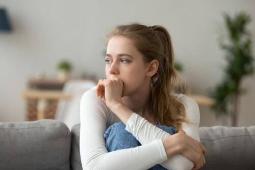 Le syndrome de Damoclès Femme-27
