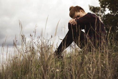 Connaissez-vous la culpabilité qui entre dans l'âme des personnes qui quittent ? Femme-48