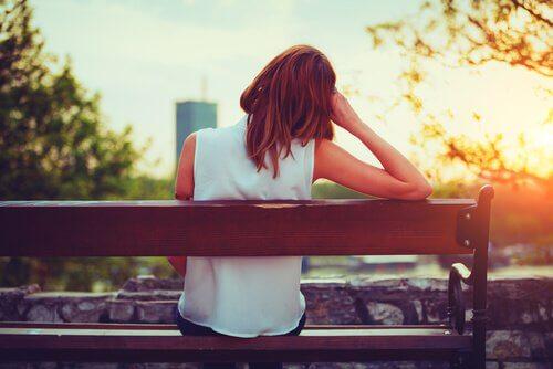 L'anuptaphobie : la peur pathologique de ne pas trouver de conjoint Femme-56
