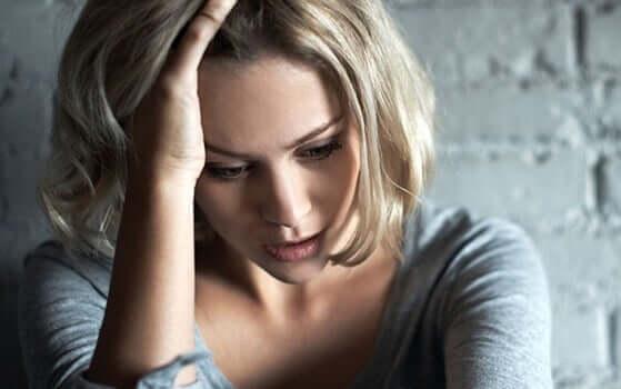 Evitez de dire à une personne anxieuse de ne pas s'inquiéter Fille-46