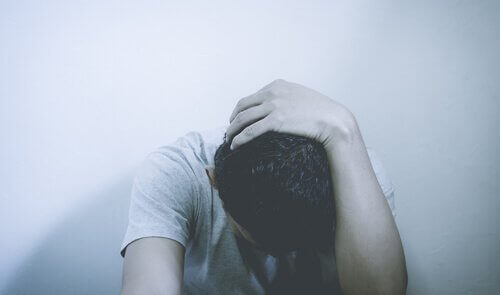 La sortie difficile d'un groupe abusif (sectes) Homme-24