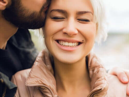 L'amour au-delà des mots se traduit par des actes Homme-33