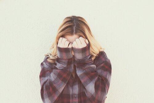 La honte, l'émotion qui ne nous laisse pas exister Honte10