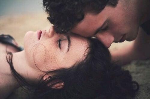 Le charme dangereux des amours clandestines Image-18
