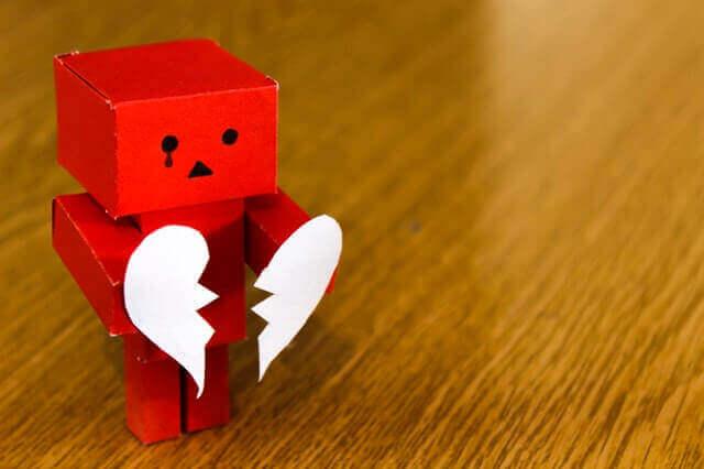 Le FOBU, ou la peur de mettre fin à une relation de couple Jouet-10