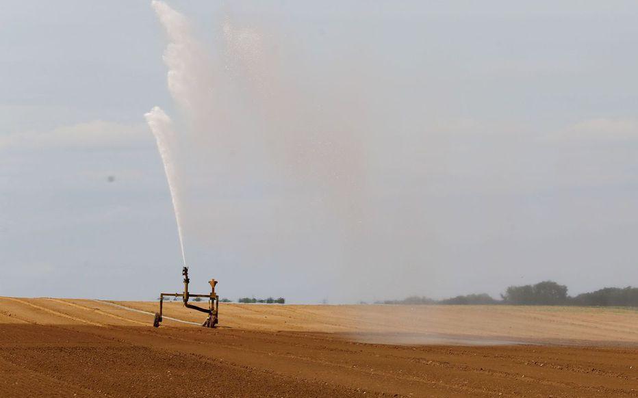 La sécheresse s'étend, 61 départements en alerte ou en crise Lk5roy10