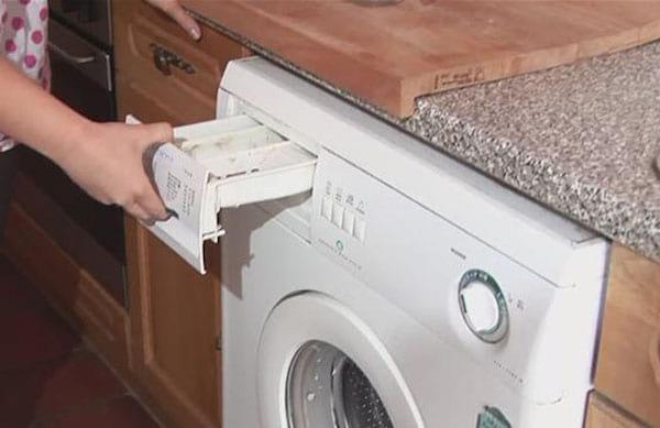 Les 6 Astuces Pour un Nettoyage Complet de la Machine à Laver.   Nettoy10