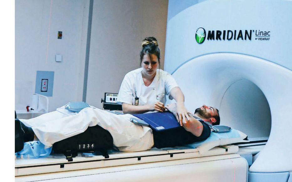 La nouvelle arme de choc contre le cancer utilisée pour soigner Bernard Tapie Wmmrgc10